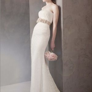 White by Vera Wang strapless Lace Wedding Dress